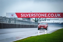 Changan mass production vehicles of Blue Core Edition demonstrate China's extreme speed at the F1 Silverstone circuit
